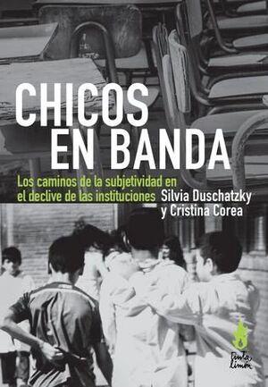 CHICOS EN BANDA